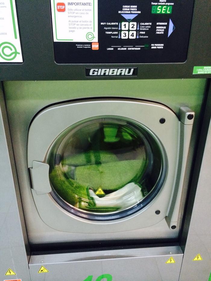 Alfombras en la lavadora es posible ecolaundry for Lavar cortinas en lavadora